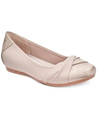 Bare Traps Mitsy Hidden Wedge Flats Women's Shoes Champagne