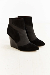 Report Iliana Wedge Boot Black