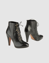 Eva Turner Ankle Boots Black