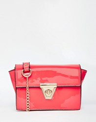 Liquorish Patent Shoulder Bag With Chain Strap Pink