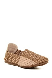 Me Too Sonnet Woven Flat Brown