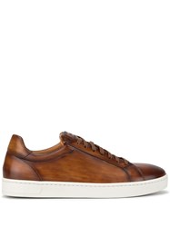 Magnanni Low Top Round Toe Sneakers Brown