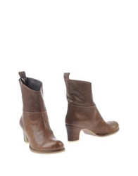 Rosamunda Ankle Boots Brown