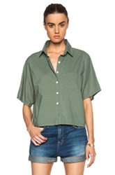 Band Of Outsiders Batiste Cropped Button Up In Green