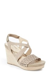 Me Too Women's Wedge Sandal Stone Leather