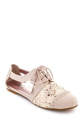 Godiva Stacy Crochet Cutout Oxford Beige