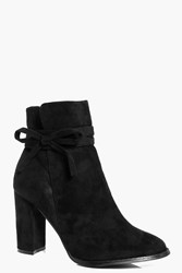 Boohoo Detail Ankle Bow Block Boot Black
