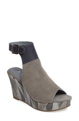 Matisse Women's Harlequin Wedge Sandal Light Grey
