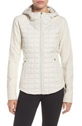 The North Face Women's 'Endeavor' Thermoball Primaloft Quilted Jacket Moonlight Ivory Ivory White