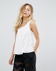 Lavand Top With Shoulder Detail White