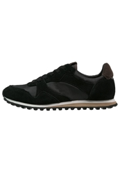 Zign Trainers Black