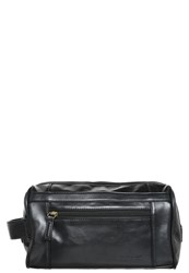 Pier One Wash Bag Black
