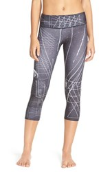 Women's Onzie Graphic Print Capri Leggings Black Sky