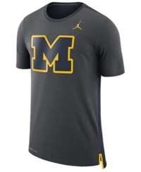Nike Men's Michigan Wolverines Meshback Travel T Shirt Anthracite