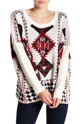 Romeo And Juliet Couture Long Sleeve Geo Pattern Sweater White