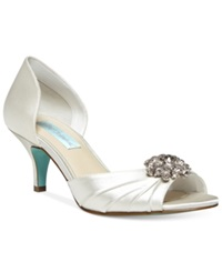 Blue By Betsey Johnson Stun Low Heel Evening Pumps Women's Shoes Ivory