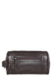 Pier One Wash Bag Dark Brown