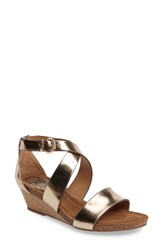 Sofft Women's Vita Strappy Wedge Sandal Warm Gold Leather