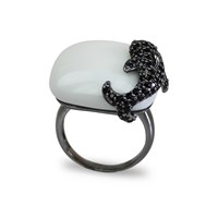 Bellus Domina Dolphin Cocktail Ring White