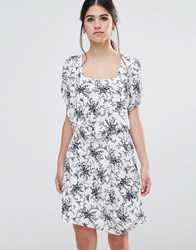 Traffic People Less Is Less Dress In Spring Floral Dress White Navy