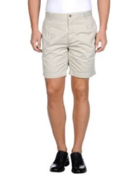 Closed Bermudas Light Grey