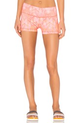 Alo Yoga Big Waves Short Coral