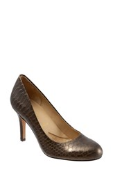 Trotters Women's 'Signature Gigi' Round Toe Pump Bronze Snake Leather