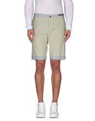 Pt01 Trousers Bermuda Shorts Men Light Green