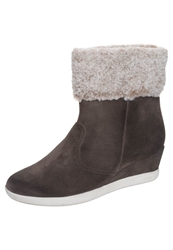 Stonefly Jumping 10 Wedge Boots Oak Brown Taupe