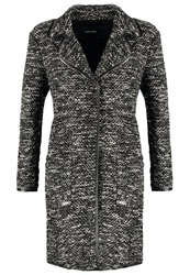 More And More Classic Coat Black