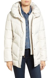 Larry Levine Women's Pillow Collar Quilted Coat Ivory