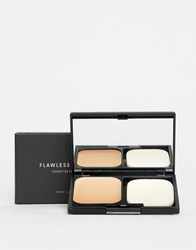 New Look Flawless Foundation Compact Clear