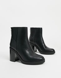 Bershka Pull On Chunky Heeled Boots In Black