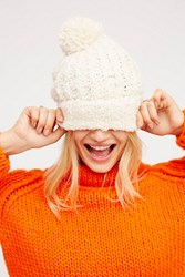 Free People Womens Snuggle Bear Pom Beanie
