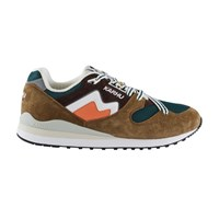 Karhu Synchron Classic Trainers Tapenade White