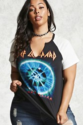 Forever 21 Plus Size Def Leppard Tour Tee Black White
