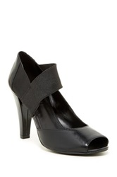 Kenneth Cole Reaction Shall We Go Pump Black