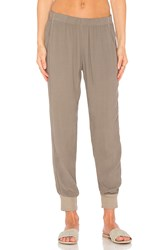 Monrow Easy Woven Jogger Olive