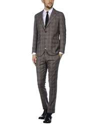 Eleventy Suits Lead