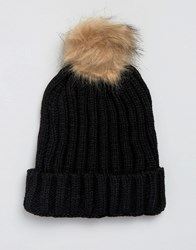 7X Cable Hat With Faux Fur Bobble In Black