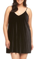 Tart Plus Size Women's Oda Pleat Velvet Slipdress Black