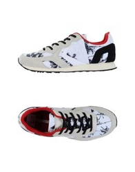 Converse Cons Low Tops And Trainers White