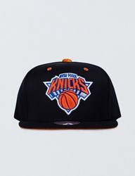 Mitchell And Ness New York Knicks Solid Velour Logo Snapback