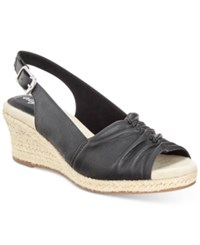 Easy Street Shoes Kindly Sandals Women's Black Texture