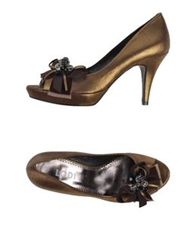Lodi Pumps Bronze