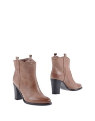 Luca Valentini Ankle Boots Cocoa