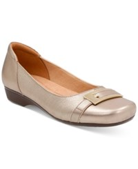 Clarks Collection Women's Blanche West Flats Women's Shoes Gold Metallic