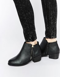 New Look Wide Fit Ankle Boot With Tassle Zip Detail Blac