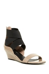Delman Catch Wedge Sandal Brown