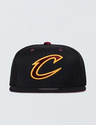 Mitchell And Ness Clevenland Cavaliers Solid Velour Logo Snapback